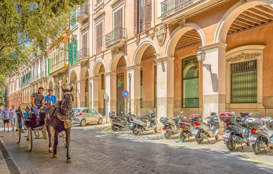Einen dauerhaften Sommer mit einem Wohnsitz auf Mallorca erleben.